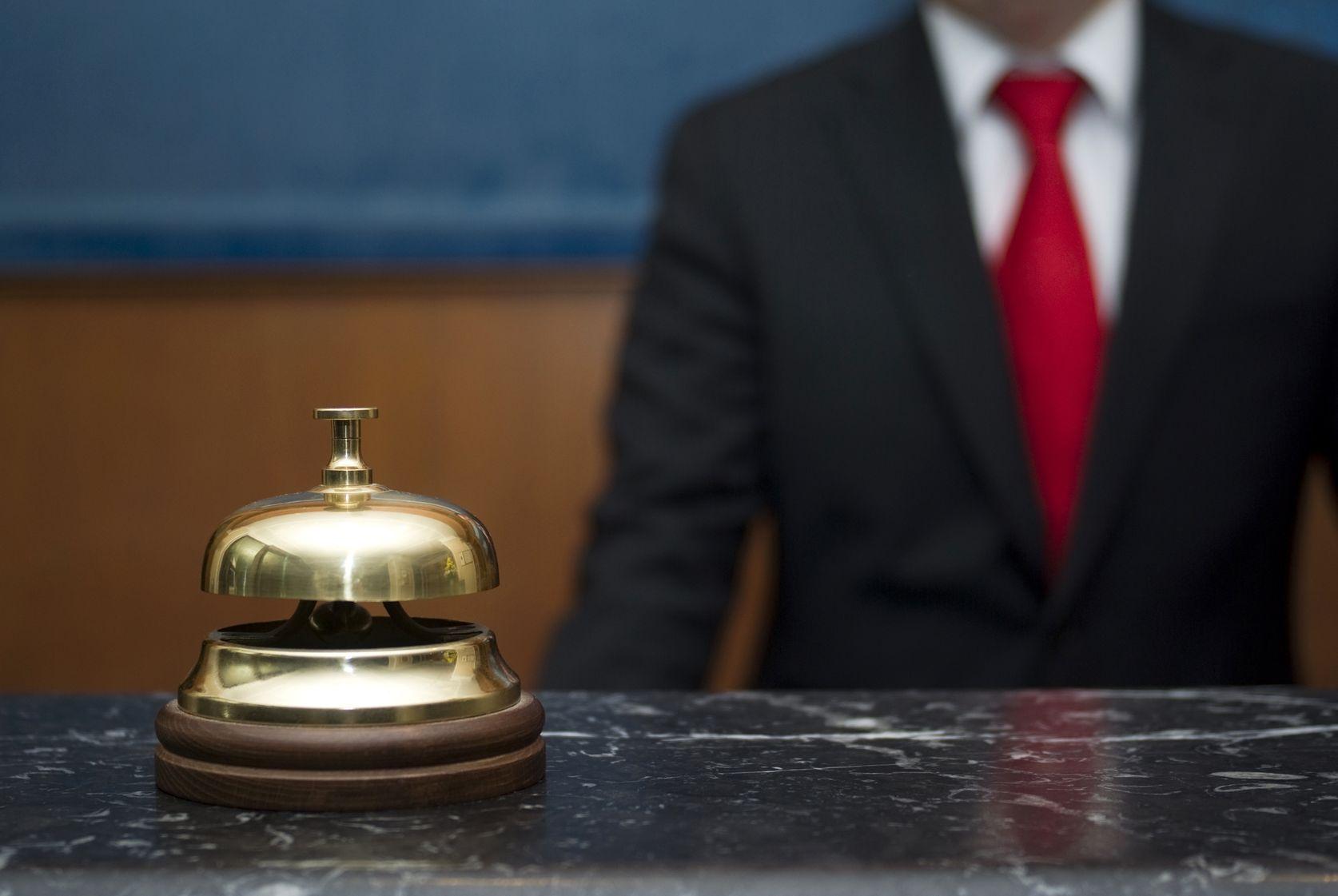 Cosa fa il direttore Hotel: Mansioni, responsabilità e percorsi di carriera